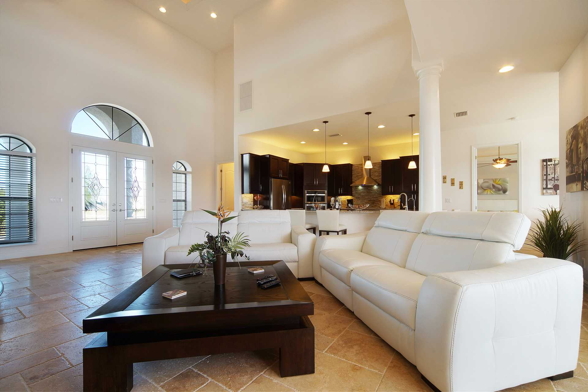 villa casablanca - elegant modern 2 story mansion with huge pool, Schlafzimmer entwurf